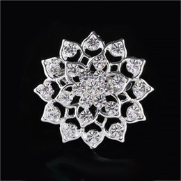 Wholesale Wholesale Asian Products - New products Charming Jewelry Bridal Bouquet Flower Pattern Pin Rhinestone Inlaid Crystal Women Wedding Brooches small size