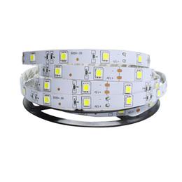 rosh a mené la lumière de bande Promotion Bande LED colorée 500M 5050 RVB LED 5M 150 Leds 30LED / M non étanche 16 LED Colurs Lumière CE ROSH Lampe intérieure