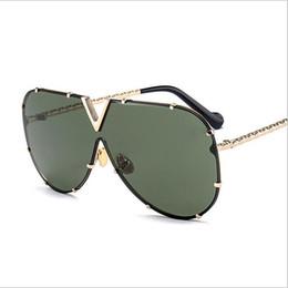 6e0619abc6e Gafas de sol de las mujeres femeninas de gran tamaño Brand Design Gafas de  gafas vintage Mujeres gafas de sol únicas Oculos Square Flat Top Style