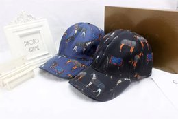 Wholesale United Boxes - Europe and the United States fashion horse hats men and women designer ball caps outdoor travel sun hat luxury brand cap With Box