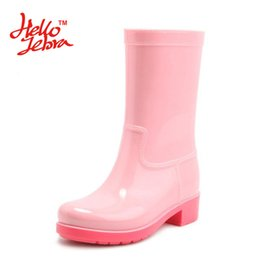 Wholesale Pink Rain Boots Women - Women Fashion Rain Boots Ladies Solid Candy Color Slip On Rubber Flat Heels Waterproof Charm Rainboots 2016 New Fashion Design Candy Solid