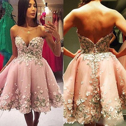 Wholesale Short Ball Gowns For Prom - 2017 Pretty Petal Power Short Homecoming Dresses Sweetheart Sleeveless Mini Prom Dresses Hand Made Flower Sweet 16 Ball Gowns For Party