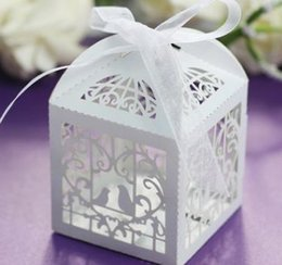 Laser-vogelbox online-Pralinenschachteln Laser-Pralinenschachteln Pralinenschachteln Favor Holder Hollow Little Bird European Colorful Pearlescent Paper Cube
