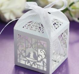 Cajas de caramelos Láser Cajas de caramelos Cajas de papel de chocolate Favor de los titulares Hueco Pajarito Europeo Colorido Cubo de papel nacarado desde fabricantes