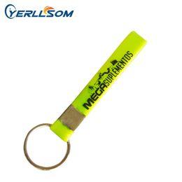 200PCS / lot Qualitätssiebdrucklogo-Gummi keychain für Geschenke Y081901 von Fabrikanten