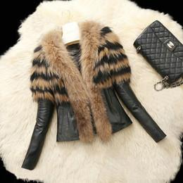 Wholesale Women S Fashion Apparel Clothes - 2017 Winter New Fashion Fashion Jacket Vests Women Fur Leather Coat Vest Outerwear Clothing Apparel Black Jacket With Fuax Fur FS0940