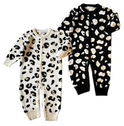 Wholesale warm baby onesies - 2017 Winter Baby Leopard Sweaters Jumpsuits Rompers Babies Cotton Warm Sweaters Onesies Bodysuits Infants Toddlers Button Jumpsuits For 0-2T