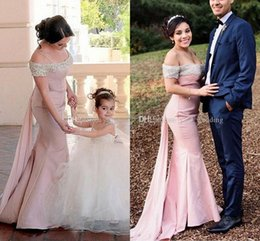 Wholesale Prom Diy - DIY Off Shoulder Mermaid Bridesmaid Dresses 2017 Cheap Formal Wedding Party Dresses Satin Chiffon Long Champagne Prom Dresses Evening Gowns