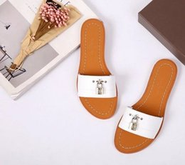 Wholesale Women Cow Slippers - Fashion 2017 high quality Women cow leather open toe casual slippers sandals,summer office lady metal lock casual Moccasins 35-40