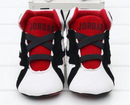 Sapatos de par on-line-Hot recém-nascido infantil criança esporte sneaker bebê meninos meninas casual algodão geometria shoes pré-walker um pares