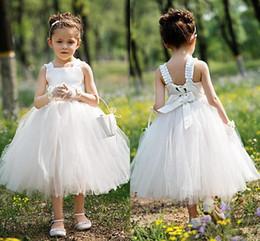 Sevimli Beyaz Fildişi Çay Boyu Çiçek Kız Elbise Sevimli Tül Kolsuz Çocuklar Resmi Yaz Bahçe Düğün için İlk Communion Elbise Giymek nereden