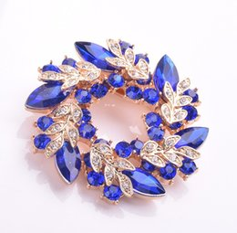 Wholesale Christmas Broches - Austrian Crystal Brooch Pins For Women Top Quality Flower Broches Jewelry Fashion Wedding Party Gifts Pin Brooches YZ