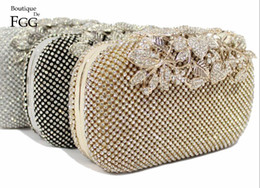 Wholesale Crystal Flower Clutch Purse - European and American Brand Women's Fashion Metal Flower Clasp Crystal Evening Wedding Party Cocktail Handbags Clutch Bag Purse
