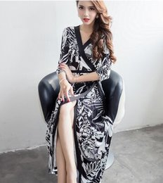 Wholesale Korean Floral Beach Dresses Women - New Arrival Fashion Korean Slim Sweety Princess Goddess Noble Silk Summer V Neck Daisy Printed Wrapped Show Holiday Beach Must-Have Dress