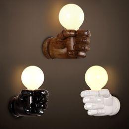Canada Personnalité Vintage chevet escalier balcon mur lumière main art lampe Fist applique murale AC110V-250V Offre