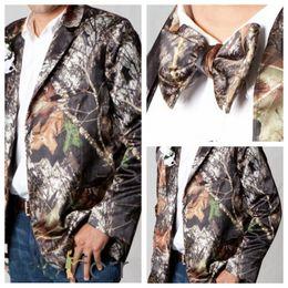 Wholesale Mens Tuxedo Coats - 2017 New Top Sale Camouflage Tuxedos Unique Button Camo Mens Wedding Coat Notched Lapel Groom Wear Prom Suits For Men Jacket (Jacket+Bow)