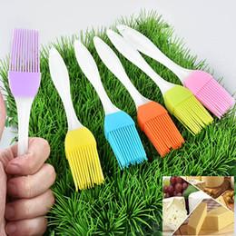 2019 spazzola di silicone Silicone pennello burro barbecue olio pasticcere Grill alimentari Pane Pennello per condimenti Bakeware Cucina Sala strumento HH-B05 sconti spazzola di silicone