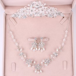 Wholesale Drop Pearl Necklace Set Cheap - Stunning Rinestones Pearls Bridal Jewelry Sets 2017 Sliver Plated Necklace & Earrings & Crown Cheap Beaded Wedding Accessories High Quality