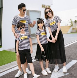 Wholesale Girl S Skirt Sets - Lovers suits Mother girl stripe shorts T-shirt+ruffle chiffon skirt 2pc clothing sets father son sea beach holiday clothes family sets T3284