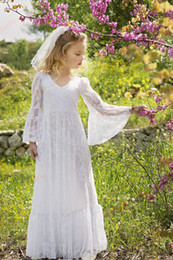 Wholesale bridesmaid dresses for little girls - Boho Chic Flower Girl Dresses 2017 Vintage Long Sleeves Junior Bridesmaid Dress Floor Length Bohemian 1st Communion Dress for Little Girls