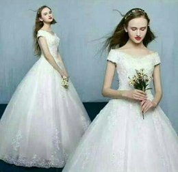 Wholesale White Ball Gown Gloves - 2018 high quality wedding dress 25pcs gloves one dress 20pcs petticoats