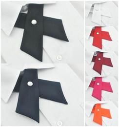 Corbata cruzada con lazo online-Viento británico viento Matt campus cruzado moda corbata hombres y mujeres corbata arco sección