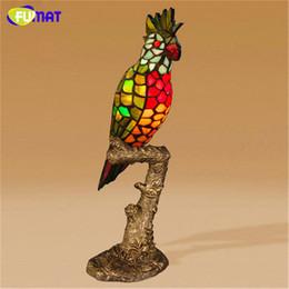 glasmalerei Rabatt FUMAT Papagei Tischlampe Europäischen stil Glasmalerei Dekor Lampe Nachttisch Wohnzimmer Studie Stehen Lichter Vogel Tischlampen