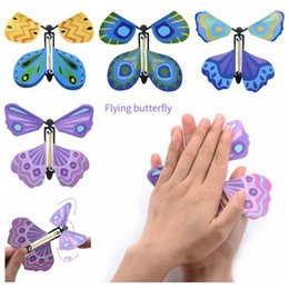 Wholesale flying change - New Magic Butterfly Flying Butterfly Change With Empty Hands Freedom Butterfly Magic Props Magic Tricks CCA6799 1000pcs