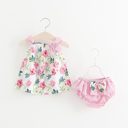 Wholesale Little Girl Cute Outfits - Girls Flower Bow Suspender Tops+Pants Set 2018 Summer New Kids Boutique Clothing Little Girls Sleeveless Tank Tops Outfits
