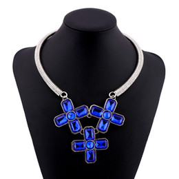 Wholesale Chunky Cross Necklaces - Splendid Metal Carved Cross Design Pendant Necklace Acrylic Stacked Bohemian Strand Chunky Choker Woman Fashion Jewelry Accessory