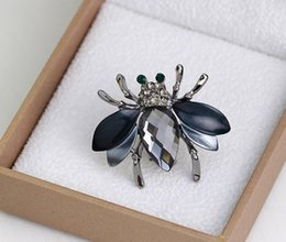 Wholesale Gold Bee Pin Brooch - Bee Brooches Silver Gold Plated White Rhinestone Corsage Unisex Shining Crytal Little Bees Pins Brooch Jewelry DR