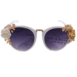 Wholesale Sunglasses Flowers - New Fashion Flower Sun Glasses for Women 2017 Runway Luxury Brand Designer Sunglasses Summer Beach Angel Sun Glasses Outdoors accessories
