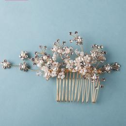 Ornamento de la flor del pelo nupcial online-beijia Magníficas Perlas de Oro Peine de Pelo Joyería Nupcial Accesorios de La Boda Adornos de Pelo Flor Hecha A Mano de Las Mujeres Headwear