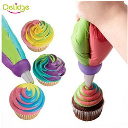 Wholesale Mix Nozzle - Wholesale- 1 pcs 3 Holes Cake Decoration Converter Mix 3 Colors Icing Piping Nozzle Converter For Cupcake Nozzle Converter Connector