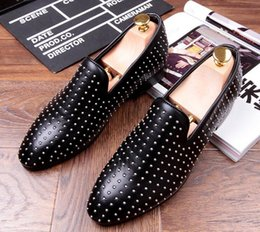 Wholesale Driving Mocassins - 2017 Fashion Men Loafers Genuine Leather sequins Studded Rivet Slip-on Causal Party Driving Mocassins Boat Wedding Dress Shoes