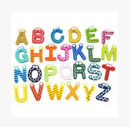Magneti del frigorifero di parole Bambini Bambini Magnetico adesivo di legno Alfabeto di fumetto Istruzione Apprendimento Giocattoli Decorazioni per la casa Spedizione gratuita supplier kids alphabet stickers da adesivi alfabeto dei bambini fornitori