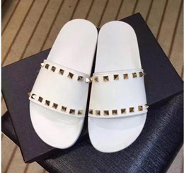 Wholesale Sexy Ladies Black Pvc - Summer New arrival Top quality luxury brand sexy Thick bottom women casual Metal rivets lazy slippery beach ladies slippers