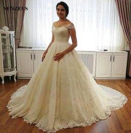Wholesale Corset Dress Designs - Lace Ball Gown Wedding Dress Luxury Design 2017 Sweetheart Off Shoulder Bride Dresses With Court Train Corset mariage vintage