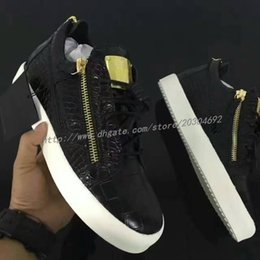 Wholesale metal sneakers - women genuine sneakers for men Black Sawtooth soles gold metal Luxury Party Shoes zip men leisure trainer footwear fashion mens casual shoes