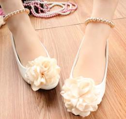 Chaussures de mariage blanc chaussures femmes DG110 avec grandes fleurs de champagne chaussures de mariée dames femme cheville perles bracelets fleurs de champagne chaussures ? partir de fabricateur