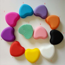 Wholesale Silicone Products Wholesaler - New Creative Heart-Shaped Silicone Brush Egg Makeup Brush Makeup Brush Cleaning Artifact Patented Product Wholesale 85 * 75 * 28mm