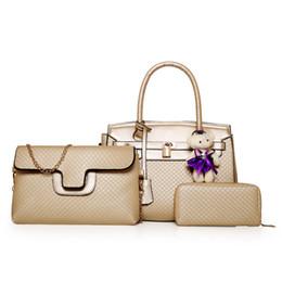 Wholesale Pink Gold Pendants - 2017 New Elegant messenger bag luxury designer purse handbags messenger tote 3 pcs set composite bags plush bear pendant 1222#