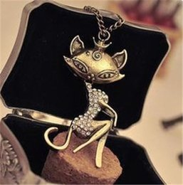 2017 fille chat vintage Grossiste-rétro Pendentif Chaîne Femmes Sexy Vintage Cat Girl Collier Cristal Strass Long promotion fille chat vintage