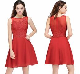 Sexy vestido de diamante corto online-Stock Red Short A Line Homecoming Vestidos de fiesta Pequeños pequeños apliques de encaje de diamante Short Club Vestidos Flowy Chiffon Cocktail Dresses 2017
