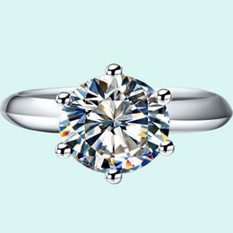 Оптовая 2.0 ct обручальные кольца классический круглый синтетический бриллиант кольца для женщин 18K белое золото твердый серебряный PT950 штампованные supplier solid silver stamp от Поставщики сплошной серебряный штамп