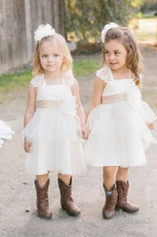 Wholesale Wedding Dresses For Outdoors - Lovely Lace Flower Girl Dresses for Outdoor Country Wedding Short Tulle 2017 Square Short Sleeve Vintage Child First Communion Dress