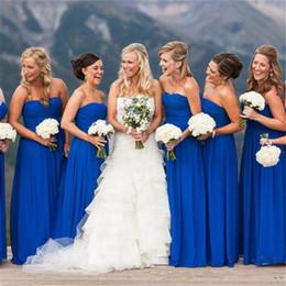 billige blaue braut magd kleider Rabatt Land Brautjungfern Kleider 2019 Royal Blue Plus Size Braut Maid Kleider Lange geraffte Chiffon Stock Länge Hochzeit Gast Party Kleider Günstige