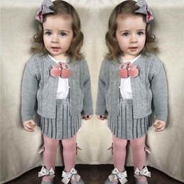 d8a4358ed6735 Akrilik Kızlar Kıyafet Askı Etek Seti Stella Butik Giyim Seti Bahar ve  Sonbahar Örme Bebek Kız Kazak Hırka
