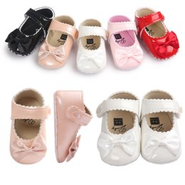 Wholesale Dress Shoes Girl Bow - Baby girl shoes Bows Princess patent shoes Baby First Walkers Infants Birthday dress matched shoes 2017 Spring new DHL FREE