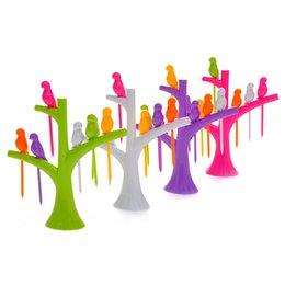 Дизайн древостоя онлайн-ГОРЯЧАЯ 2017 Новая Посуда Посуда Наборы Творческий Дерево + Птицы Дизайн Пластиковые Вилки Фрукты 1 Стенд + 6 Вилок